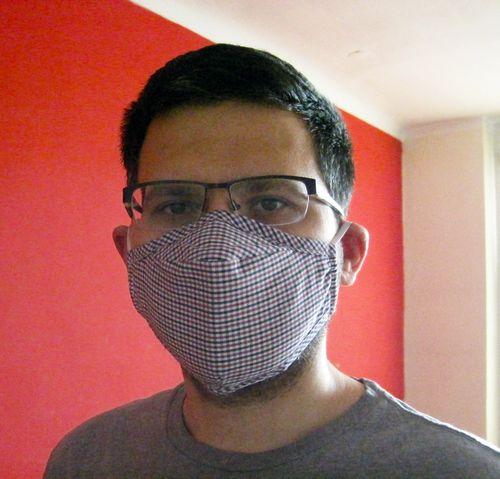 No dobra, tak naprawdę kupiłem sobie maskę antysmogową i chciałem się pochwalić. Wyglądam w niej trochę jak Optimus Prime, co nie? ;)