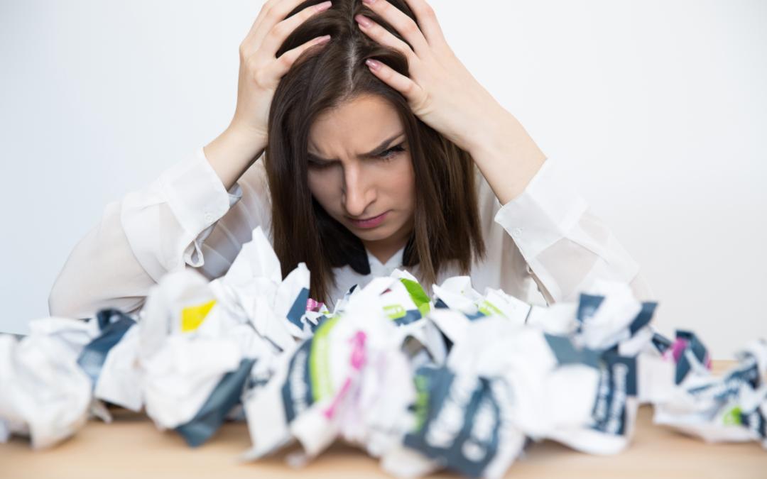 Syndrom Oszusta – przyczyny, konsekwencje, metody przeciwdziałania