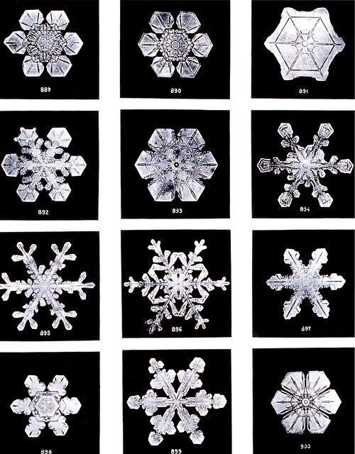 crystals-67792_640