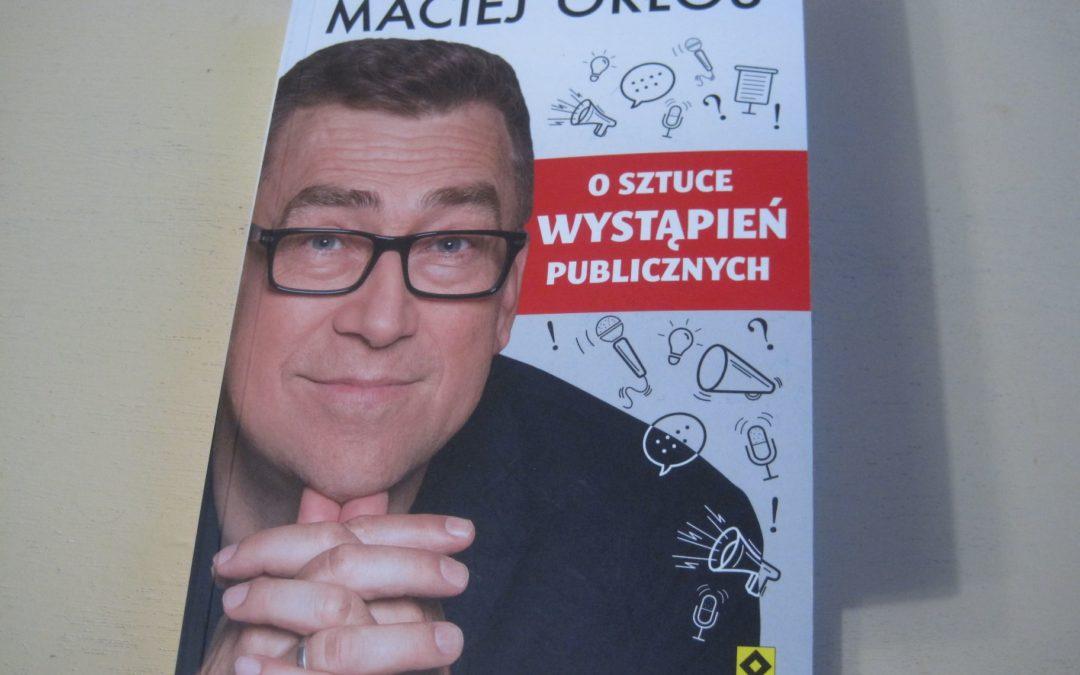 Recenzja: O sztuce wystąpień publicznych – Maciej Orłoś